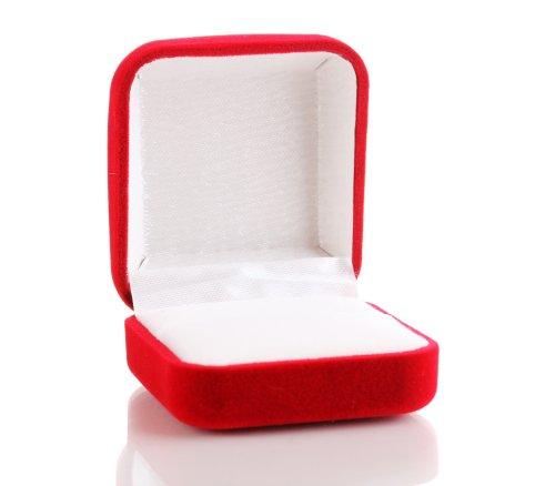 Ảnh chụp hộp đựng đồ trang sức trên nền trắng