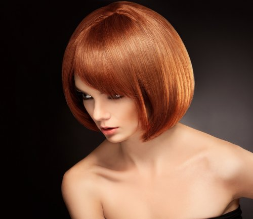 Hình ảnh Người phụ nữ xinh đẹp với mái tóc ngắn màu đỏ