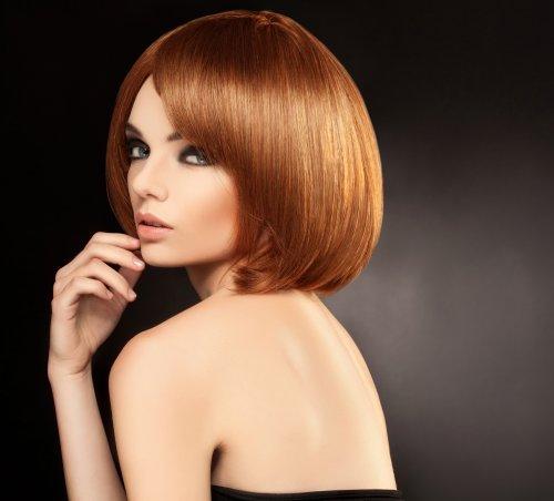Hình ảnh Người phụ nữ xinh đẹp với mái tóc ngắn.