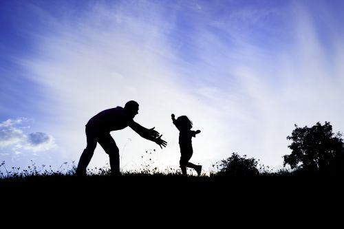 Ảnh chụp hình tượng của cha hạnh phúc vui vẻ với con trai