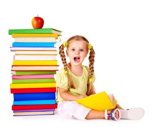 Hình ảnh cô bé đọc sách