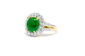 Hình ảnh chiếc nhẫn ngọc bích với viên kim cương